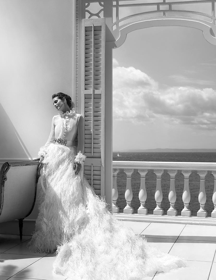 Pronovias-Wedding-Dress-2015-Bridal-Campaign-1